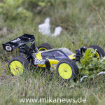 Bilder_Losi_1_14_Mini_8ight_black_Action_173