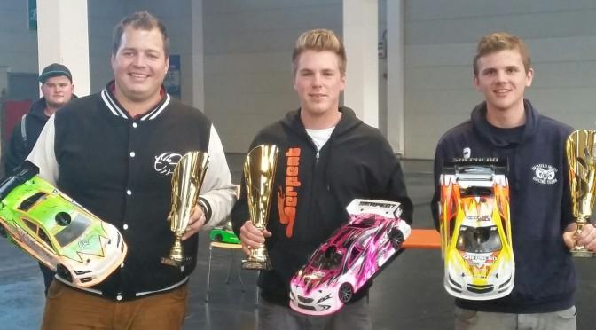 Dominic Greiner gewinnt mit Serpent 748 Natrix TQ German Indoor Masters auf Messe Friedrichshafen