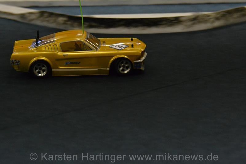 """Das """"Golden Car"""" von Michael Aris holte sich mit unspektakulärer Fahrweise Rang 3."""