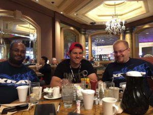 Danke Sandro für das tolle Bild mit Sures Velautaphilai (links) Sandro Speck (mitte) und jan Ratheisky (rechts) in Las Vegas