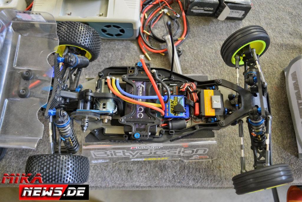 2016lacgera_chassisfokus_teamassociatedb6d-1