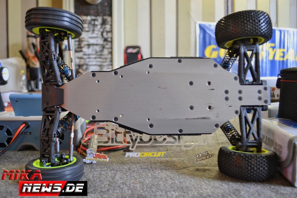 2016lacgera_chassisfokus_teamassociatedb6d-20
