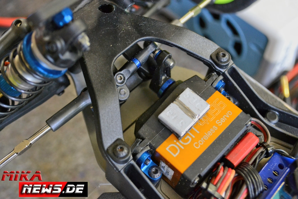 2016lacgera_chassisfokus_teamassociatedb6d-31