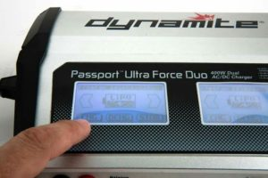 passport-duo-400w-dual-ac-dc-touch-ladegeraet_2