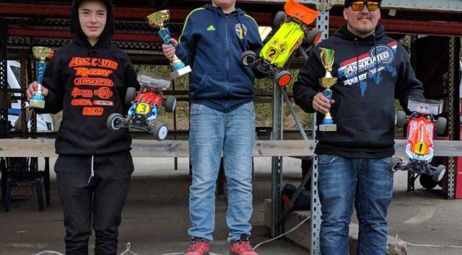 XB4 gewinnt die den 1.Lauf des Swedish National Cup Series