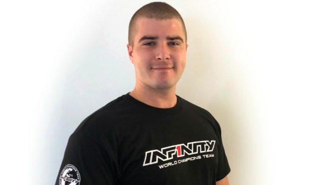 Infinity holt Kyle McBride für ein Offroad-Programm