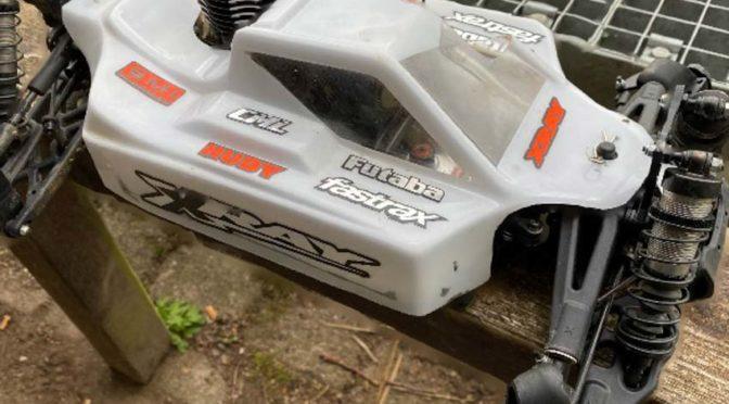 Ilias Reise trainiert für die Titelverteidigung mit seinen Xray XB8 Fahrzeugen