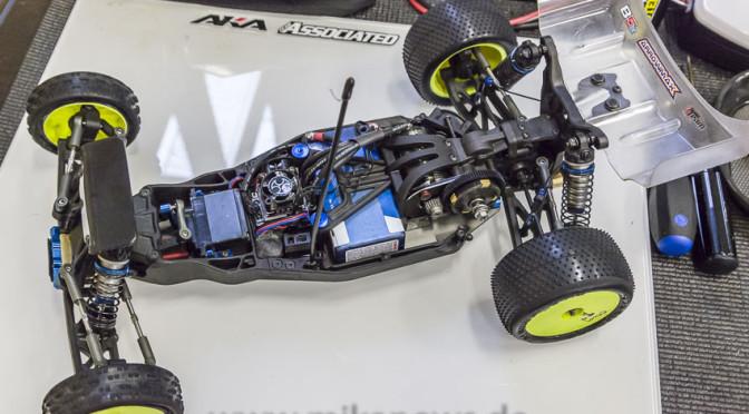 Chassisfokus Asso B5M – Marcel Schmidt – Umbau auf Low-Down Getriebe