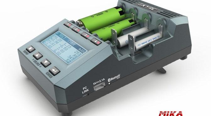 Ladegerät & Analyzer MC3000 für 4xAA/AAA DC 4A