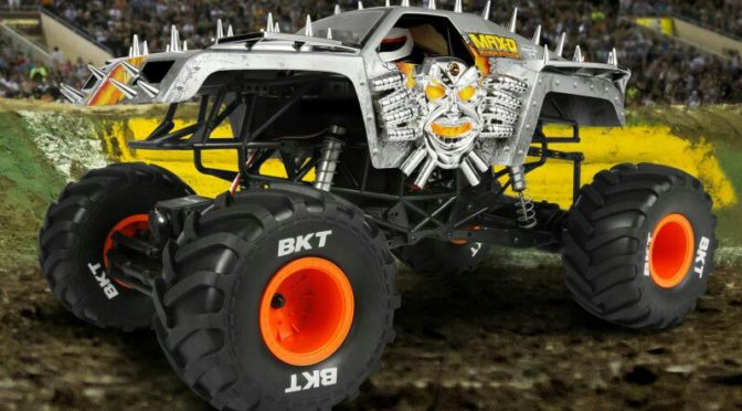 Axial SMT10 MAX-D Monster Jam Truck 4WD RTR 1/10