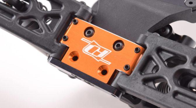 Xray XB2/XT2 Front Bulkhead 26° aus Messing / Aluminium