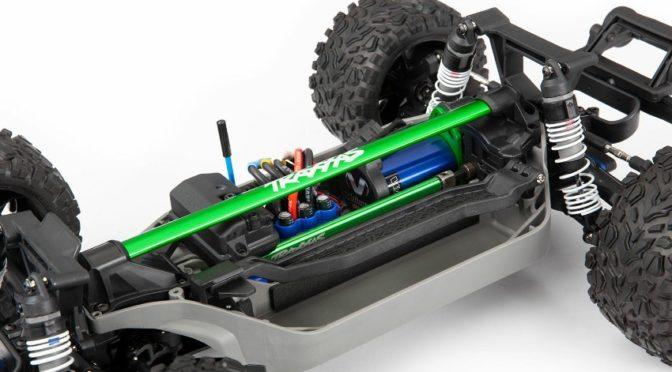 Chassisstrebe für Slash 4X4- und Rustler 4X4-Modelle von Traxxas